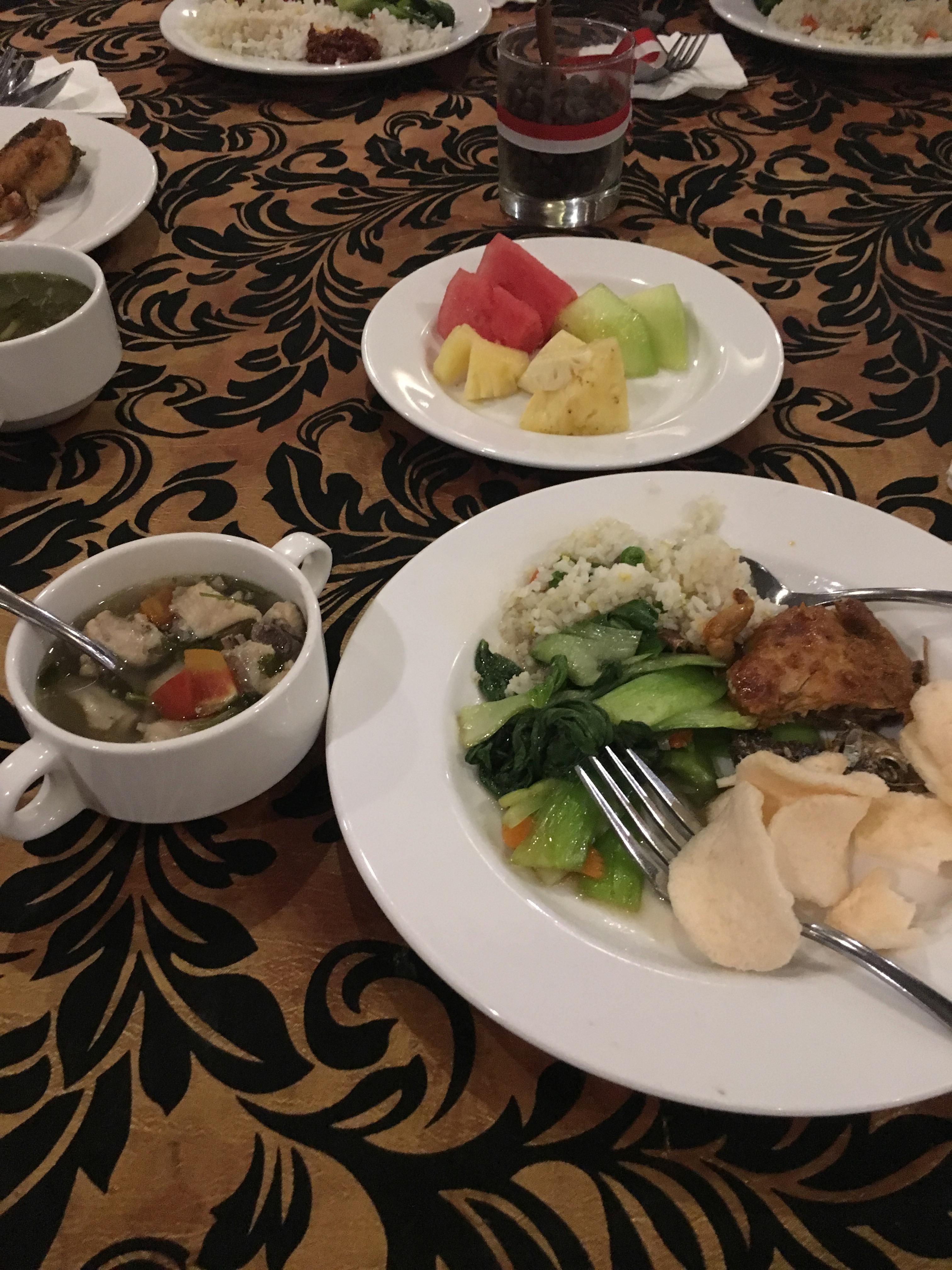 ホテルの食事